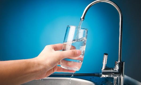 woda z odwróconej osmozy prosto z wylewki